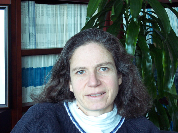 """2014 Fellow of the year: Dr. Roberta """"Birdy"""" Paikoff-Holzmueller"""